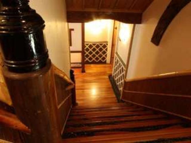 神明の館廊下