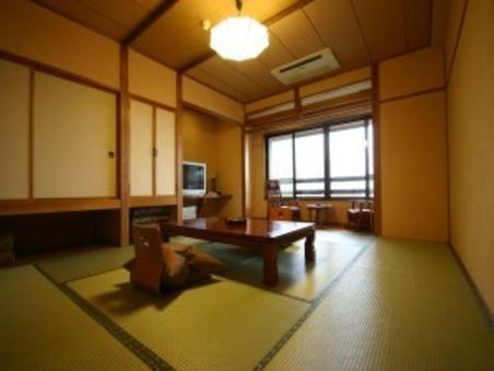 別館和室10畳(バス・トイレ付)