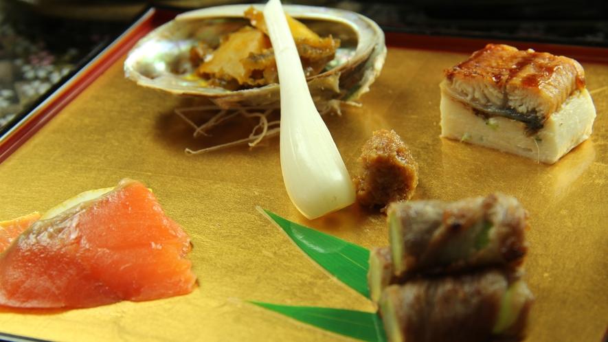 《華の膳~hana~ 一例》料理長が腕を振るう季節の前菜