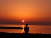 鵜の浜の夕日