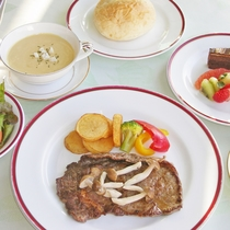*夕食一例/ステーキセット