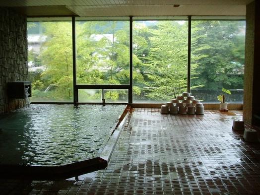 【朝夕お部屋食】【期間限定】60歳以上の方へゆっつら温泉旅ちょうど良い食事の量で2食付き11000円