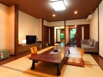 バリアフリー対応の和室です。落ち着いた雰囲気のお部屋です。