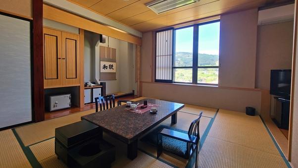 特別室「花水木」和室10畳+ツインベッド(バス・トイレ付)