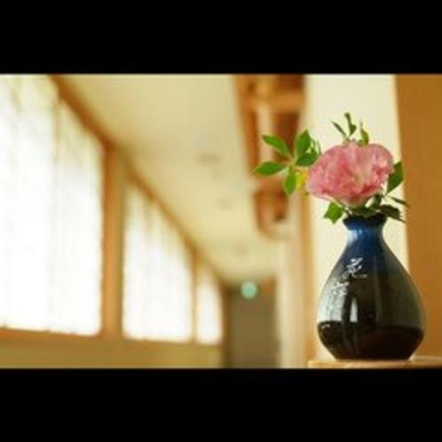 廊下の生け花