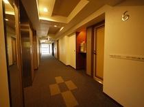 フロアの廊下