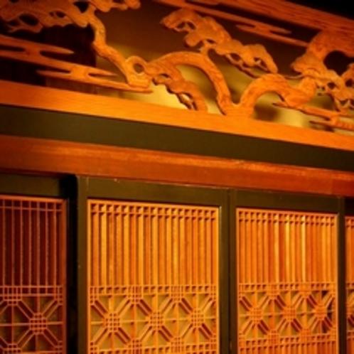 障子の飾り細工、ふすまの取手など「大正館」ならではのこだわり