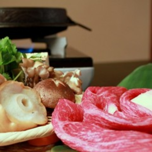 お肉はお一人様150g!野菜もたっぷり【すき焼きプラン】