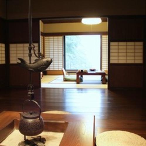 木のぬくもりに癒される特別室のなごみスペース(一例)