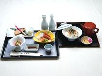 【晩酌セット】お通し、刺身( 小)焼物、お新香、鮭茶漬けお銚子二本又はビール( 大) 一本付