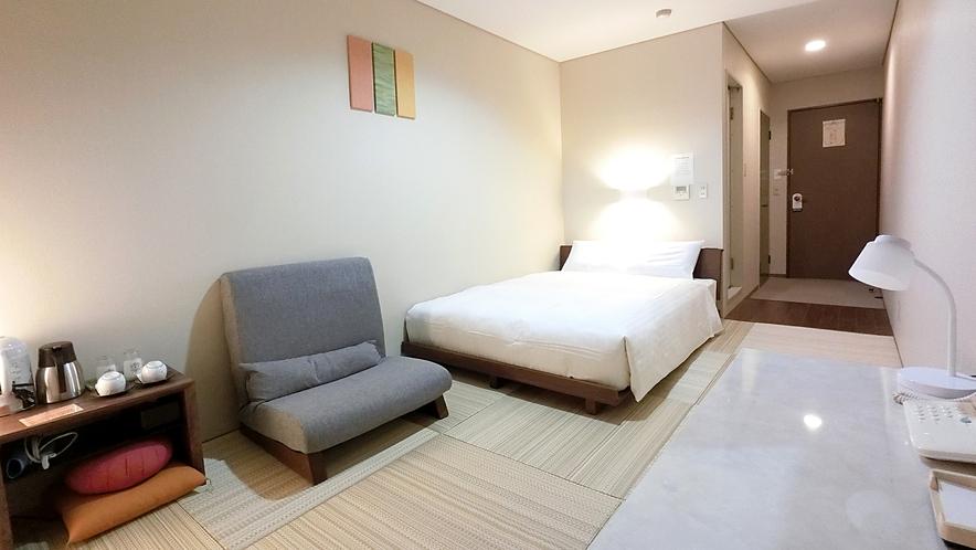 【和風ダブル】禁煙のみ ロータイプのベッドの周りに畳を敷き詰めたダブルルーム シモンズ製マットレス