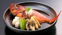 夕食には金目鯛の煮付けをご用意します。