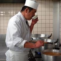 当館の総料理長は「ふくしま」ならではのお料理を「地場産」のものでと、こだわっております。