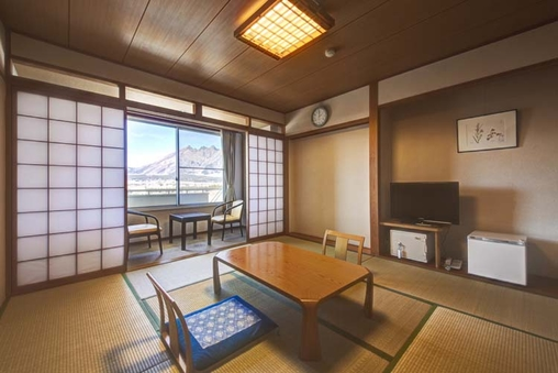 バス・トイレ付和室(8畳)禁煙(阿蘇山側)