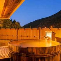 星空展望♪源泉かけ流し大樽の天空露天風呂付特別室