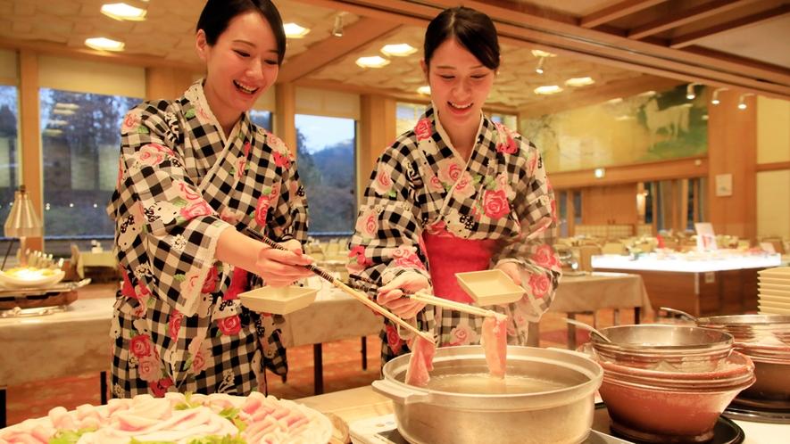 【夕食バイキング】当館の人気を二分する『上州麦豚』のしゃぶしゃぶ