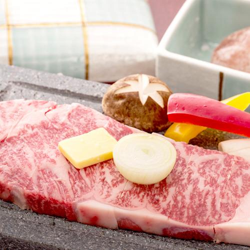 【上州牛の石焼き】お好みの焼き加減で。上州牛の甘みと美味しさをダイレクトに感じることができます。