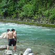 【観光・散策 夏】夏の日の川遊び。四万たむらは懐かしい風景が残る場所です。