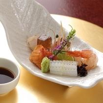 【お料理一例】四季折々のはしり、旬、名残の食材を使った季節の本格懐石料理。