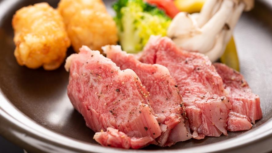 *夕食一例/倉石牛の陶板焼き
