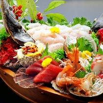 *舟盛(ヒラメ)/ヒラメの他にも、新鮮な魚介を多数ご用意いたしております!