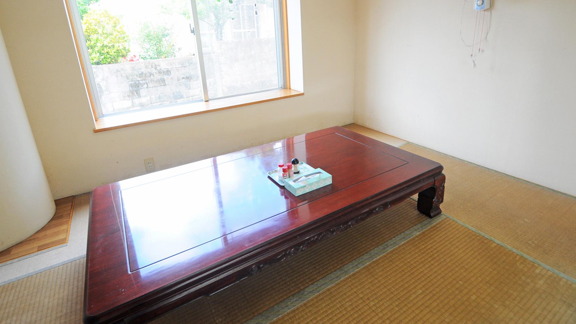 【食堂】小上がり席もございます。