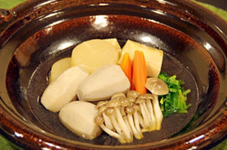 ふるさと料理2010秋(坂井芋と秋野菜の炊き合わせ)