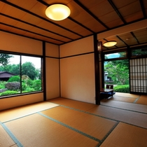 和室14畳一間 - 開放的な客室でゆっくりお寛ぎください