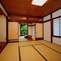 和室14畳二間 - 8畳と6畳に仕切れる便利さが常連様に重宝がられているお部屋です。