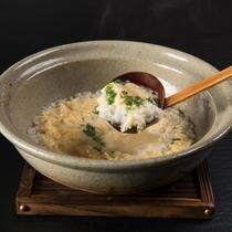 上州麦豚鍋のシメには雑炊もできます。その場で希望を伺います。