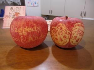 絵付きりんご、無料プレゼント