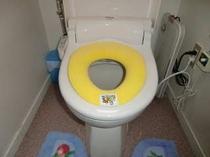 トイレ(幼児用補助便座付き)