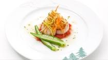 「メインダイニングルーム  ソルビエ」お魚料理(一例)