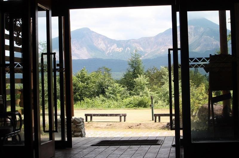 玄関から望む磐梯山