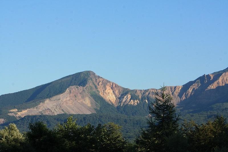 夕日に映える磐梯山
