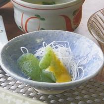 *朝食一例【さしみこんにゃく】