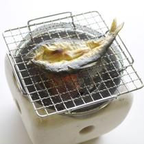 *【朝食一例】パチパチっと目の前で焼き上げる鮎のひらきは御飯が進みます