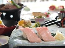 ご夕食のメイン料理は本鮪の握りと県産牛陶板焼き♪