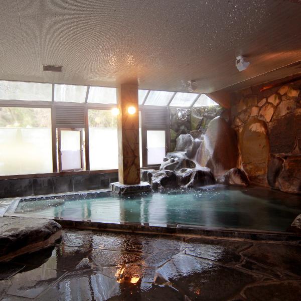 桂谷岩風呂(男湯) ※こちらはの温泉は土曜・休前日のみご利用いただけます。