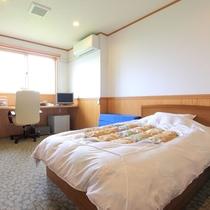 *客室一例(洋室)/清潔感のあるお部屋で快適にお過ごし下さい。