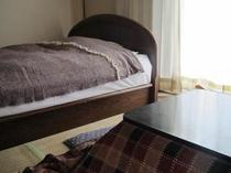 和室6畳にワイドベッド