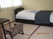 4.5畳にシングルベッドのお部屋