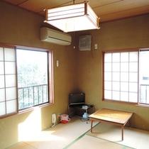 *シンプルで清潔な和室のお部屋です。