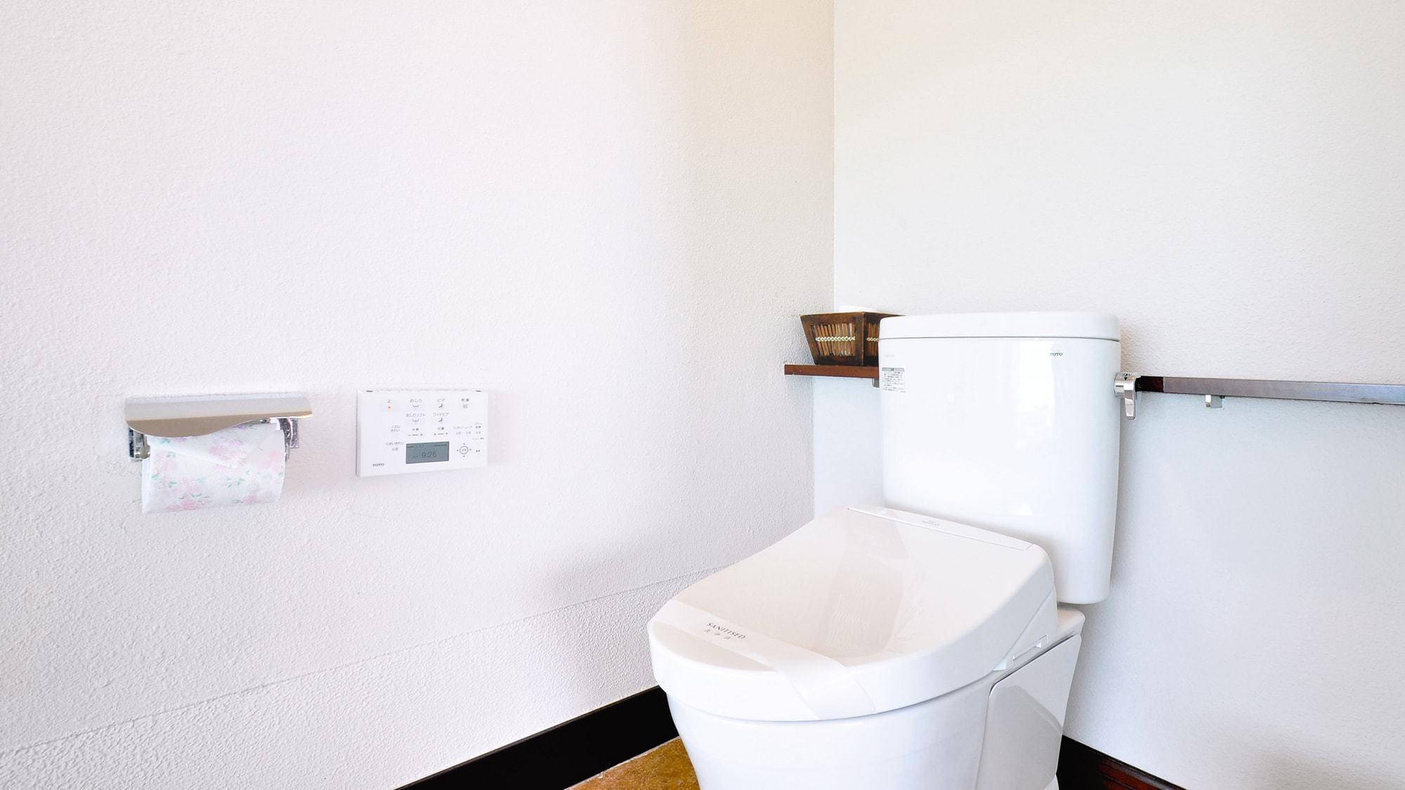 【スイートルーム】トイレはもちろん温水シャワー洗浄です