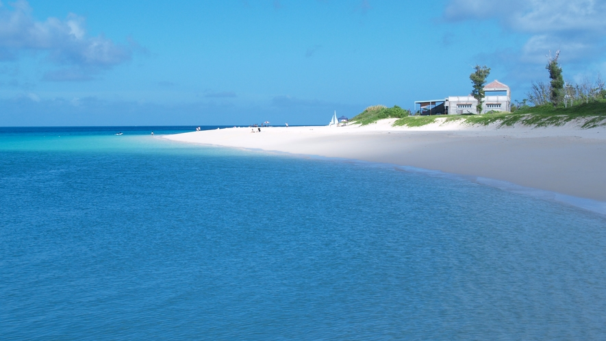 【周辺】東洋一の美しい白い砂浜『与那覇前浜ビーチ』
