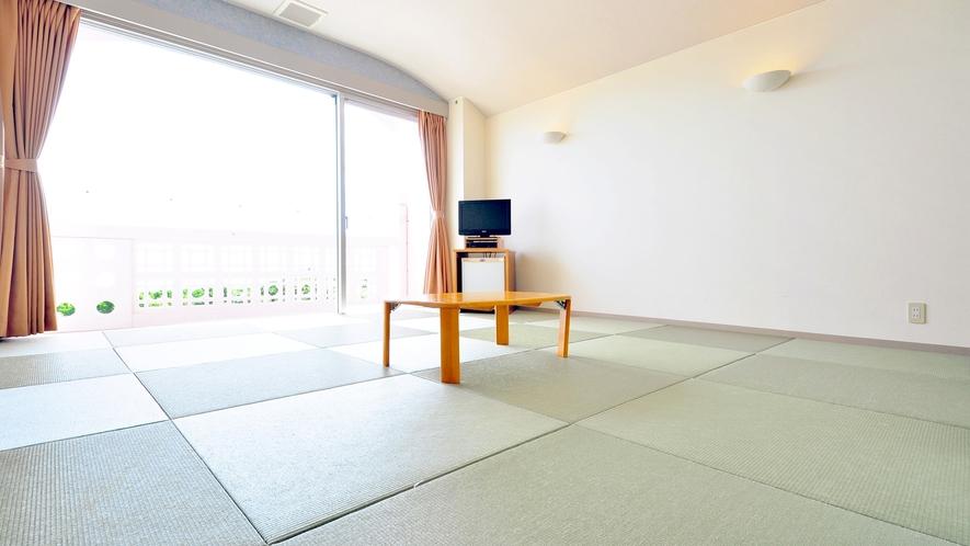 【和室】広々とした琉球畳のお部屋です