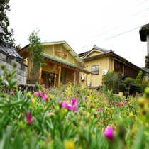 檜を使用した数寄屋造りの別邸・貸切湯浴み処