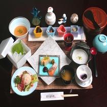 """*ご朝食は""""未来風の器""""にて"""