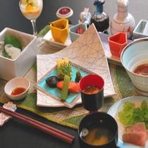 【朝食】 〜少しずつ、たくさんの品揃え〜
