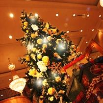 館内はクリスマスムード一色♪ホテル周辺も煌びやかなイルミネーションに彩られ思わず笑顔が溢れます◎